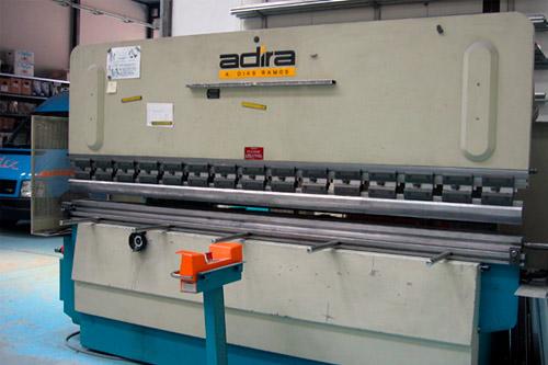 Plegadora Adira QHS-6330 CB de segunda mano a la venta en lomusa.com